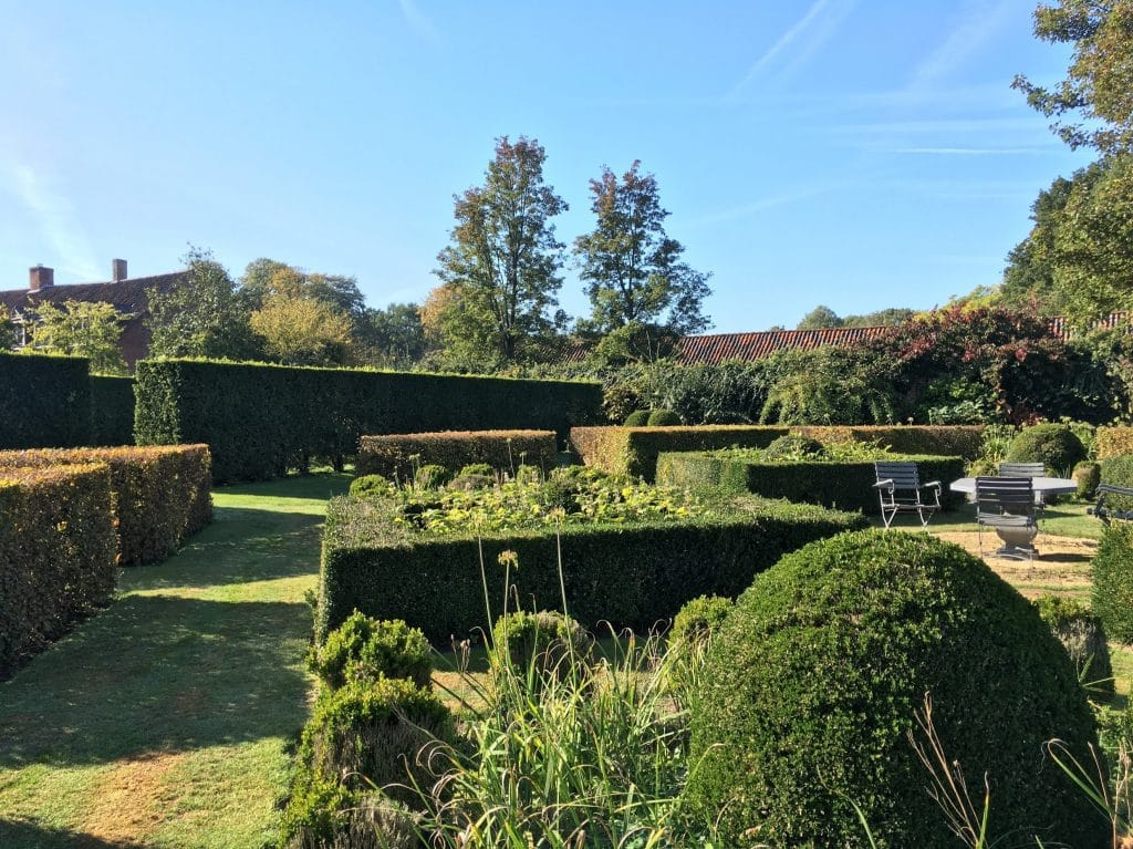 One of the quadrangles in the walled garden at Helemrijk